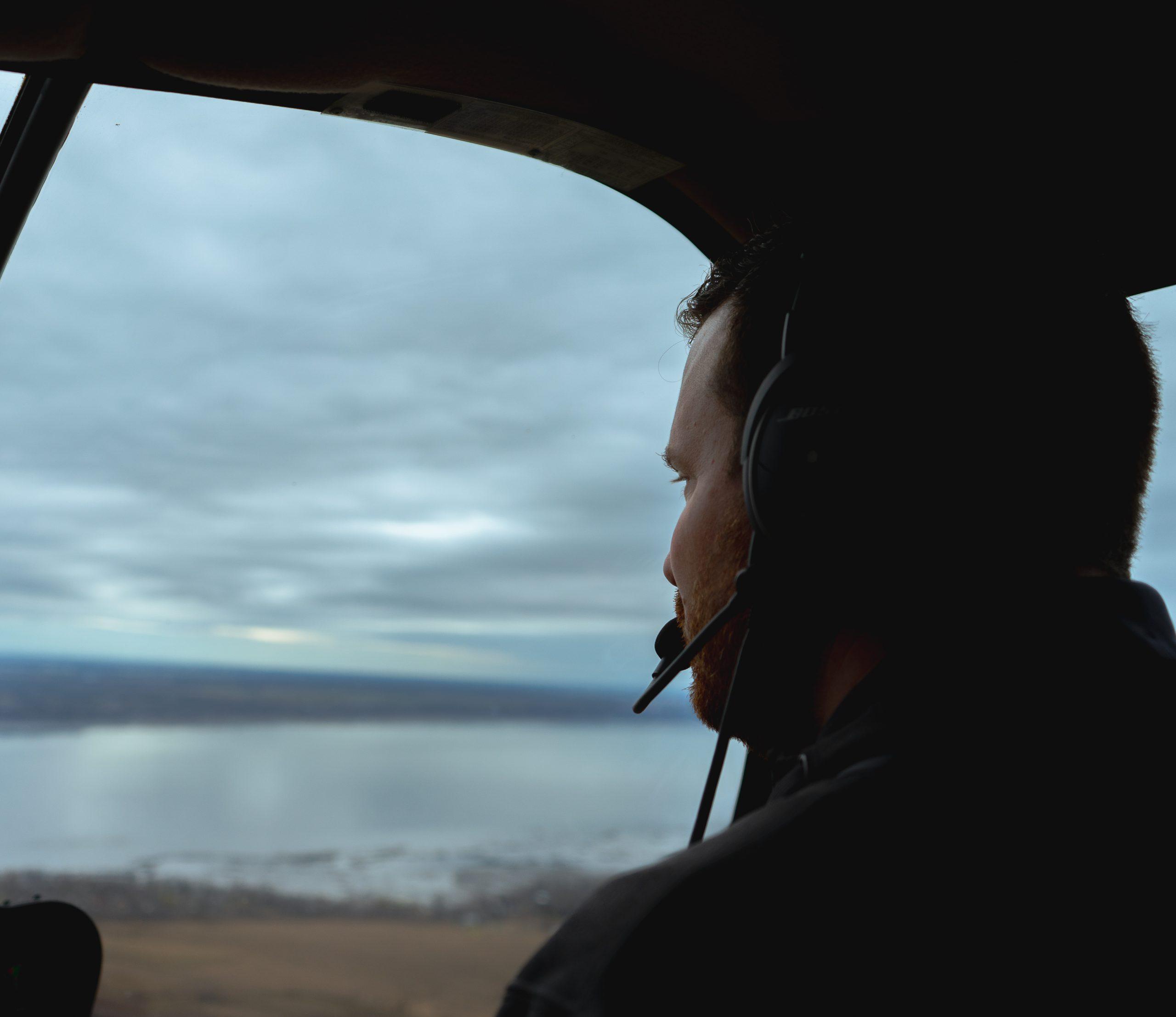 Pilote privé ou professionnel d'hélicoptère